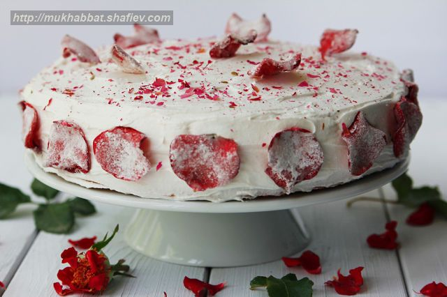 cake strawberry rose