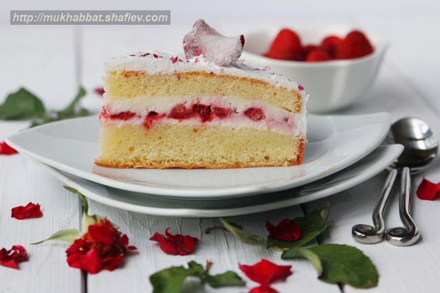 cake strawberry rose 2