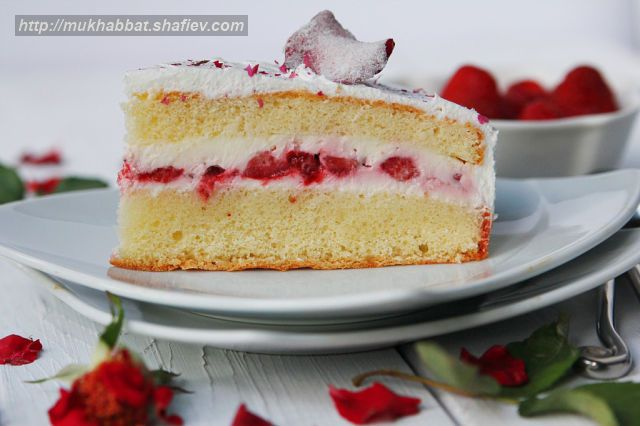 cake strawberry rose 3
