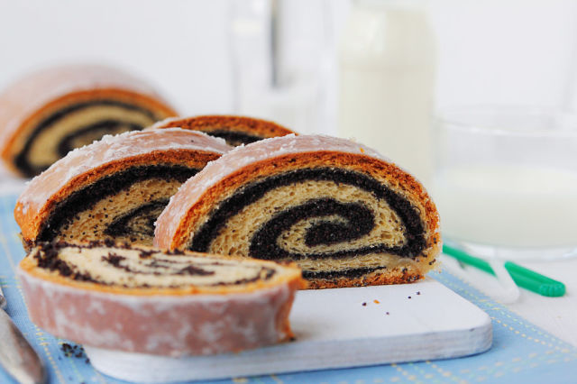 polish poppyseed roll 1